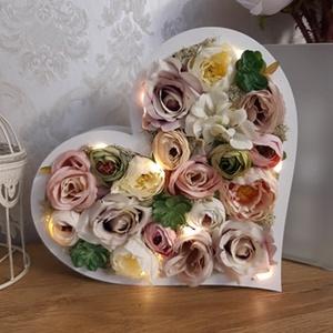 ÚJDONSÁG! Csodaszép, világítós lakásdekoráció, Anyák napi ajándék!, Otthon & Lakás, Dekoráció, Asztaldísz, Virágkötés, Ha szeretnéd valami igazán különlegessel meglepni magadat, édesanyádat, nagymamádat, a legjobb helye..., Meska