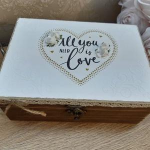 A boldog házasság kellékei! ajándékdoboz esküvőre, lánybúcsúra! , Esküvő, Emlék & Ajándék, Nászajándék, Decoupage, transzfer és szalvétatechnika, A képen látható szépséges, vintage ajándékdoboz tökéletes ajándék lehet esküvőre, lánybúcsúra!\nVicce..., Meska