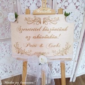 Esküvői köszöntőtábla, vendégköszöntő, Esküvő, Dekoráció, Tábla & Jelzés, Gravírozás, pirográfia, Köszöntsd a vendégeidet a saját táblátokkal!\n\nMérete: 50×36,5 cm-s, felül két díszítő lyukkal. Így n..., Meska