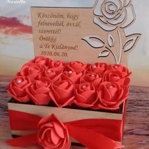 Szülőköszöntő rózsabox gravírozva, áttört mintával, Esküvő, Emlék & Ajándék, Szülőköszöntő ajándék, Gravírozás, pirográfia, Maradandó emlék az örömanyáknak , nagyszülőknek, testvéreknek is, a gravírozott  rózsabox,virágbox. ..., Meska