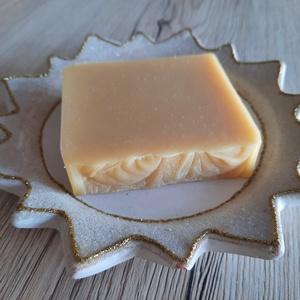 MARILLA MÉZVARÁZS kézműves natúr szappan kecsketejjel, Szépségápolás, Szappan & Fürdés, Szappan, Kozmetikum készítés, Szappankészítés, Ha szeretnél tejben-vajban fürödni, A MARILLA Mézvarázs szappan pont Neked való! :) \n\nA selymes shea..., Meska