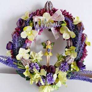 Levendula tündér , kopogtató, Otthon & Lakás, Dekoráció, Ajtódísz & Kopogtató, Virágkötés, A kopogtatót először termésekkel raktam körbe,utána selyem virágokból és levendula virágokból kompon..., Meska