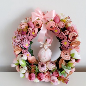 Rózsaszín tündér/kopogtató, Otthon & Lakás, Dekoráció, Ajtódísz & Kopogtató, Virágkötés, A koszorú alapot a rózsaszín árnyalatainak kavalkádjával termésekkel,boglárkákkal,virágokkal,levelek..., Meska