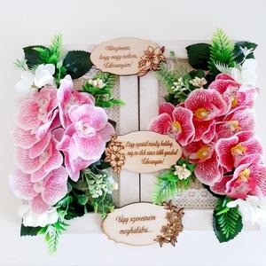 Köszönőajándék esküvőre/Orchidea, Esküvő, Emlék & Ajándék, Szülőköszöntő ajándék, Virágkötés, A fehér fa alapot először szövött szalaggal és csipke szalaggal díszítettem.Erre ragasztottam a leve..., Meska