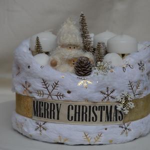 Hópelyhes, fehér adventi box 4+4  gyertyával, Otthon & Lakás, Karácsony & Mikulás, Adventi koszorú, Mindenmás, Ez a fehér, manócskás box igazi téli hangulatot áraszt...\nÁtmérője: ~ 17 cm, súlya: 475 gramm\nKör al..., Meska