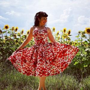 Pinup Rockabilly ruha, pipacs mintás virágos, Táska, Divat & Szépség, Magyar motívumokkal, Ruha, divat, Női ruha, Ruha, Varrás, Pipacs mintás rockabilly, pinup ruha, húzott mell résszel. 100% pamut.\nAlsószoknya nélkül.\nElérhető ..., Meska