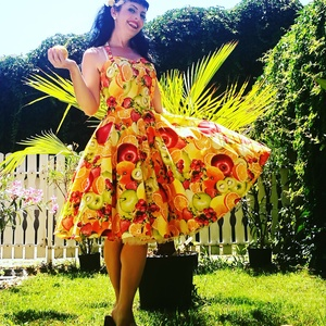 Pinup Rockabilly ruha Fruit splash, gyümölcs mintás, Táska, Divat & Szépség, Magyar motívumokkal, Ruha, divat, Női ruha, Ruha, Varrás, Exotikus gyümölcs mintás rockabilly, pinup ruha. Pamut keverék, nagyon jó tartású.\nAlsószoknya nélkü..., Meska