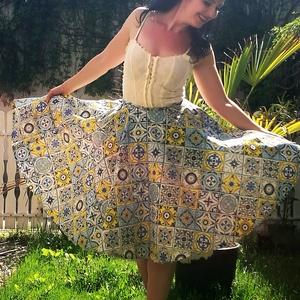 Pinup Rockabilly szoknya marokkói csempe mintás kék arany azulejo, Ruha & Divat, Női ruha, Szoknya, Varrás, Marokkói csempe mintás rockabilly, pinup szoknya. 100% pamut.\nAlsószoknya nélkül.\nElérhető xs-3xl mé..., Meska