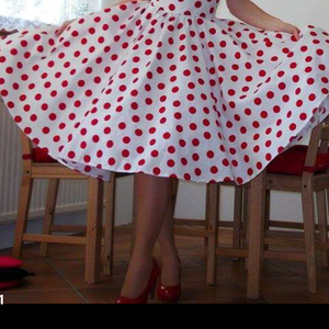Pinup Rockabilly szoknya pöttyös fehér alapon, Ruha & Divat, Női ruha, Szoknya, Varrás, Igazi klasszikus pöttyös rockabilly, pinup szoknya. 100% pamut.\nAlsószoknya nélkül.\nElérhető xs-4xl ..., Meska