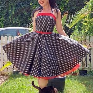 Pinup Rockabilly ruha, pöttyös mintás , Ruha & Divat, Női ruha, Ruha, Varrás, Pöttyös rockabilly, pinup ruha.\n100% pamut.\nAlsószoknya es öv nélkül.\nElérhető xs-3xl méretben.\nPost..., Meska