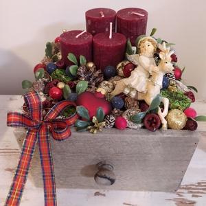 Adventi box, Karácsony & Mikulás, Adventi koszorú, Mindenmás, 18*18cm fiókdobozva készült adventi koszorú. Karácsony hagyományos színeiben készült. Bordó, zöld, a..., Meska