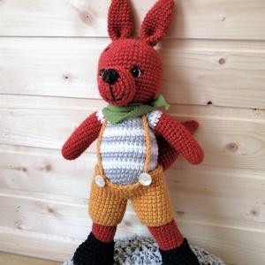 Vagány fiús mókus, Játék & Gyerek, Plüssállat & Játékfigura, Horgolás, Vagány mókus fiúknak, lányoknak, mókus imádóknak. 36 cm. Postán maradó küldeményként is kérhető, így..., Meska