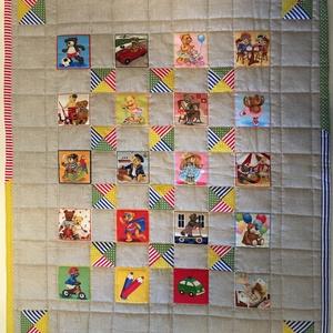 Macis babatakaró/játszószőnyeg, Játszószőnyeg, 3 éves kor alattiaknak, Játék & Gyerek, Patchwork, foltvarrás, 75*88 cm-es vidám színes, macis babatakaró/játszószőnyeg, közepesen vastag flízzel, pasztell kék dup..., Meska