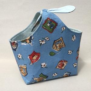 Cicás-kék kis táska, Piknik kosár & táska, Uzsonna- & Ebéd tartó, Táska & Tok, Varrás, Patchwork, foltvarrás, Elsősorban gyermek részére készült ez a cicás kis táska, de gyermek lelkű felnőtteknek is ajánlom.\nP..., Meska