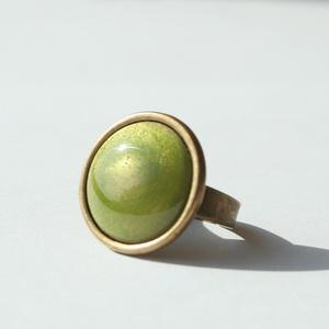 Világos olíva kerek tűzzománc gyűrű (MatisZomanc) - Meska.hu