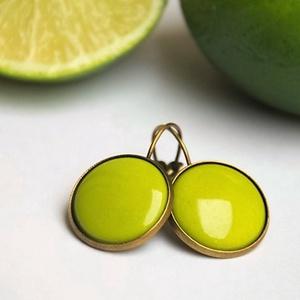 """Bittergreen zöld tűzzománc francia kapcsos fülbevaló, Lógó fülbevaló, Fülbevaló, Ékszer, Ékszerkészítés, Tűzzománc, \""""Keserű zöld\"""" ennek a fülbevalónak a színe, ami egy élénk, energikus sárgás világos zöld, lehet akár..., Meska"""