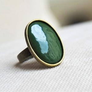 Erdőzöld ovális tűzzománc gyűrű, Statement gyűrű, Gyűrű, Ékszer, Ékszerkészítés, Tűzzománc, Ha szereted a különleges gyűrűket, tetszeni fog ez az ovális sötétzöld (erdőzöld) tűzzománc köves gy..., Meska