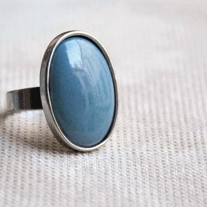 Világos kékes szürke, szürkés kék ovális tűzzománc gyűrű, Ékszer, Gyűrű, Ékszerkészítés, Tűzzománc, Ha szereted a különleges gyűrűket, tetszeni fog ez az ovális világos kékes szürke vagy szürkés kék t..., Meska