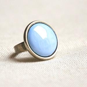 Horizont kék kerek tűzzománc gyűrű , Statement gyűrű, Gyűrű, Ékszer, Ékszerkészítés, Tűzzománc, Ez a horizont kék (égkék, világos kék) kerek tűzzománc gyűrű antik ezüst színű foglalatban a végtele..., Meska