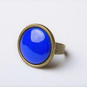 Királykék kerek tűzzománc gyűrű , Statement gyűrű, Gyűrű, Ékszer, Ékszerkészítés, Tűzzománc, Igazi klasszikus darab ez a királykék tűzzománc köves gyűrű antik réz/bronz színű foglalatban.\n\nGyűr..., Meska