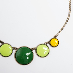 Marigold - zöld-sárga tűzzománc nyaklánc, Medálos nyaklánc, Nyaklánc, Ékszer, Ékszerkészítés, Tűzzománc, A tavaszi gólyahír ihlette ennek a három kör alakú elemből álló tűzzománc nyakláncnak a színeit. A k..., Meska