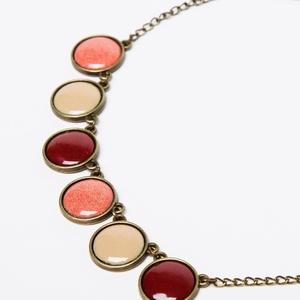 Cranberries tűzzománc nyaklánc korall, bordó és drapp színben - mini, Ékszer, Bogyós nyaklánc, Nyaklánc, Ékszerkészítés, Tűzzománc, Meska