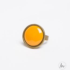 Okker sárga kerek tűzzománc gyűrű, Ékszer, Szoliter gyűrű, Gyűrű, Ez az okkersárga (mustársárga) tűzzománc köves gyűrű az ősz elengedhetetlen tartozéka, minden öltöze..., Meska