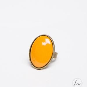 Okker sárga ovális tűzzománc gyűrű, Statement gyűrű, Gyűrű, Ékszer, Ékszerkészítés, Tűzzománc, Ha szereted a különleges gyűrűket, tetszeni fog ez az ovális okkersárga (mustársárga) tűzzománc köve..., Meska