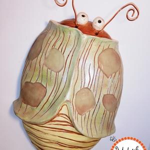 Hatpettyes Bogaram, Kerámia, Szobor, Művészet, Kerámia,  Mese ihletésű bogaram....\nHargitai agyagból készült 15cm x 19cm \nvésett, festett lakkozott kerámia...., Meska