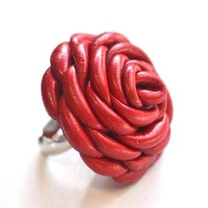 A Rózsa extra-óriás gyűrű valódi bőrből (Matra) - Meska.hu