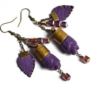 Spirit Purple-Tündérvirág-fülbevaló valódi bőrrel, Ékszer, Fülbevaló, Csillár fülbevaló, Bőrművesség, Ékszerkészítés, Egyedi és különleges extra fülbevaló, valódi bőrrel saját ötleteim alapján készítettem.\nHétköznapokr..., Meska
