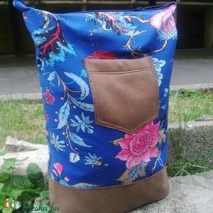 KRISZTA hátizsák/ kék barna virágos, Ruha, divat, cipő, Táska, Pénztárca, tok, tárca, Válltáska, oldaltáska, Varrás, KRISZTA fantázianévre keresztelt, kék virágos mintázatú textil, illetve drapp műbőr kombinációjából..., Meska