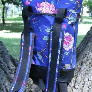 KRISZTIKE kisebb hátizsák...KÉK, Táska, Táska, Divat & Szépség, Pénztárca, tok, tárca, Válltáska, oldaltáska, Varrás, KRISZTIKE fantázianévre keresztelt,kék mintás vászon, és fekete műbőr kombinációjából készült hátizs..., Meska