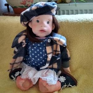 Lencsi waldorf jellegű baba, Baba-mama-gyerek, Játék, Képzőművészet, Baba játék, Baba-és bábkészítés, Nemezelés, Fogadjátok szeretettel Lencsi babát, szintén tűnemezelt gyapjú fej, test. Egyedi tervezés, nem szab..., Meska