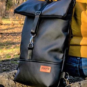 MAY\'R L-es Roll Top city bag táska/hátitáska, Táska & Tok, Hátizsák, Roll top hátizsák, Varrás, Bőrművesség, Textilbőrból született ez a táska.\nbélése, 100 % pamutvászon, amit egy húzózáras zseb tesz gazdaggá...., Meska