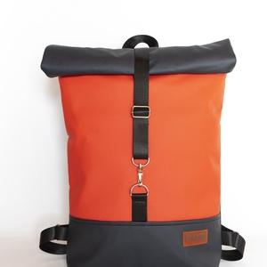 MAY\'R Roll Top City Bag táska/hátitáska piros-grafit, Táska & Tok, Hátizsák, Roll top hátizsák, Varrás, Textilbőrból született ez a táska.\nbélése, 100 % pamutvászon, amit egy húzózáras zseb tesz gazdaggá...., Meska