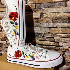 Kalocsai virágos tornacipő, Ruha & Divat, Cipő & Papucs, Hímzés, Meska