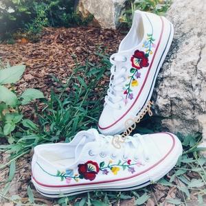 Kalocsai virágos tornacipő kézzel hímzett, Ruha & Divat, Cipő & Papucs, Cipő, Hímzés, Meska