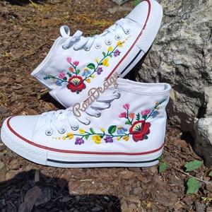 Kalocsai virágos tornacipő kézzel hímzett - Meska.hu