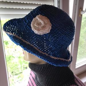 Kék csíkos kalap, Táska, Divat & Szépség, Ruha, divat, Sál, sapka, kesztyű, Sapka, Horgolás, Ez az extravagázs kalap igazán egyedi termék! Alapanyaga a boltban kapható szemetes zsákból készűlt...., Meska