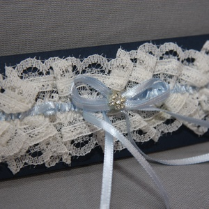Menyasszonyi,esküvői harisnyakötő,combdísz,törtfehér (MBTimi) - Meska.hu