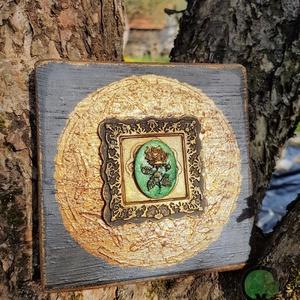 Ora Rozo festett fa dekoráció, Otthon & Lakás, Dekoráció, Függődísz, Festett tárgyak, Famegmunkálás, Köszöntünk Boltunkban!\n\nA dekoráció alapja csiszolt tömör fa deszka, melyet lazúrral kezeltem. A mot..., Meska