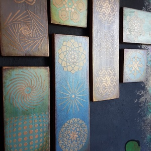 Bruna Triobla festett fa dekoráció - Meska.hu