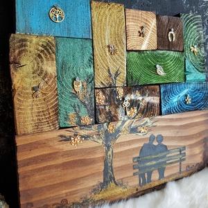 Sub La Arbo festett fa dekoráció, Otthon & Lakás, Dekoráció, Kép & Falikép, Festett tárgyak, Famegmunkálás, Köszöntünk Boltunkban!\n\nA kompozíció alapját formára csiszolt fenyő deszkák alkotják, melyet favédő ..., Meska