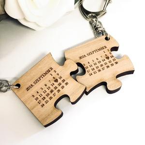 Szerelmespár tömörfa páros kulcstartó + egyedi gravírozás Valentin nap, Egyéb, Kulcstartó, táskadísz, Táska, Divat & Szépség, Szerelmeseknek, Ünnepi dekoráció, Dekoráció, Otthon & lakás, Famegmunkálás, Gravírozás, pirográfia, Gravírozott fa páros kulcstartók szerelmespároknak, házaspároknak!\n\nAz ár egy pár (2db) kulcstartóra..., Meska