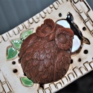 Vörösagyagos szappan zöld dió macerátummal, Táska, Divat & Szépség, Szépség(ápolás), Férfiaknak, Borotva, szappan, pipere, Krém, szappan, dezodor, Natúrszappan, Növényi alapanyagú szappan, Kozmetikum készítés, Szappankészítés, Ennek a szappannak az alapja afrikai fekete szappan ami nyers shea vajból és kókuszolajból tevődik ö..., Meska