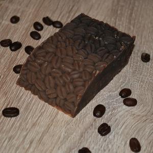 Kávé vajas szappan extrán, Férfiaknak, Borotva, szappan, pipere, Táska, Divat & Szépség, Szépség(ápolás), Krém, szappan, dezodor, Natúrszappan, Egészségmegőrzés, Kozmetikum készítés, Szappankészítés, Ha nem lenne elég, hogy ezt a szappant kávé vajjal készítettem, ami önmagában is fantasztikus, de so..., Meska