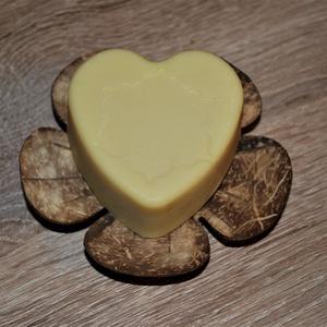 Natúr, természetes, mentes ápoló szappan, Táska, Divat & Szépség, Szépség(ápolás), Krém, szappan, dezodor, Gyerek & játék, Baba-mama kellék, Kecsketejes szappan, Natúrszappan, Kozmetikum készítés, Szappankészítés, Ezt a szappant a mellett, hogy színezék és illatmentesen készítettem el, kókuszolajat sem tartalmaz,..., Meska