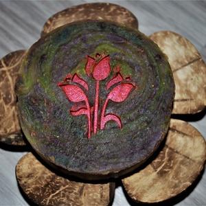 Chocolate orchid mangóvajas egyedi orchidea szappan női ajándék szülinapra névnapra normál száraz zsíros érett bőrre, Táska, Divat & Szépség, Szépség(ápolás), Krém, szappan, dezodor, Kecsketejes szappan, Egészségmegőrzés, Magyar motívumokkal, Szappankészítés, Kozmetikum készítés, Lenyűgöző parfümös illatával és ápoló összetevőivel gondoskodik a tökéletes fürdőzésről ez a különle..., Meska