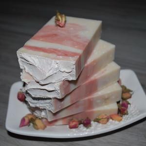 Mandula vajas szappan rózsaszín agyaggal Japán cseresznyevirág illattal egyedi vegán ajándék születésnapra névnapra is (medalin) - Meska.hu